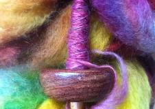 Drop spindle handspinning