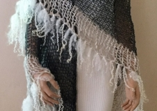 Angel's Touch 2, omslagdoek, € 290,--